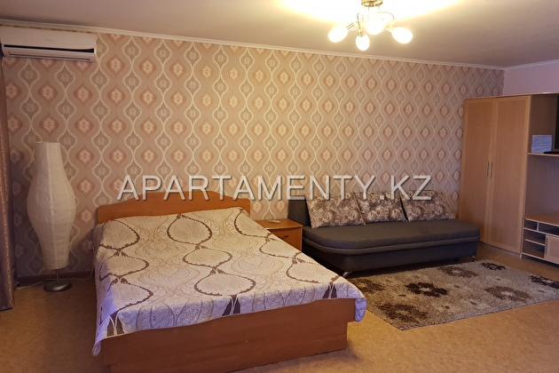 1-roomed apartment by the day, Kazakstan str.