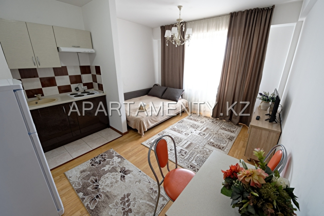 1-room apartment for daily rent, ul. Kazybek bi139