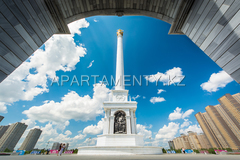 "Independence Square and monument ""The Kazakh Eli"""